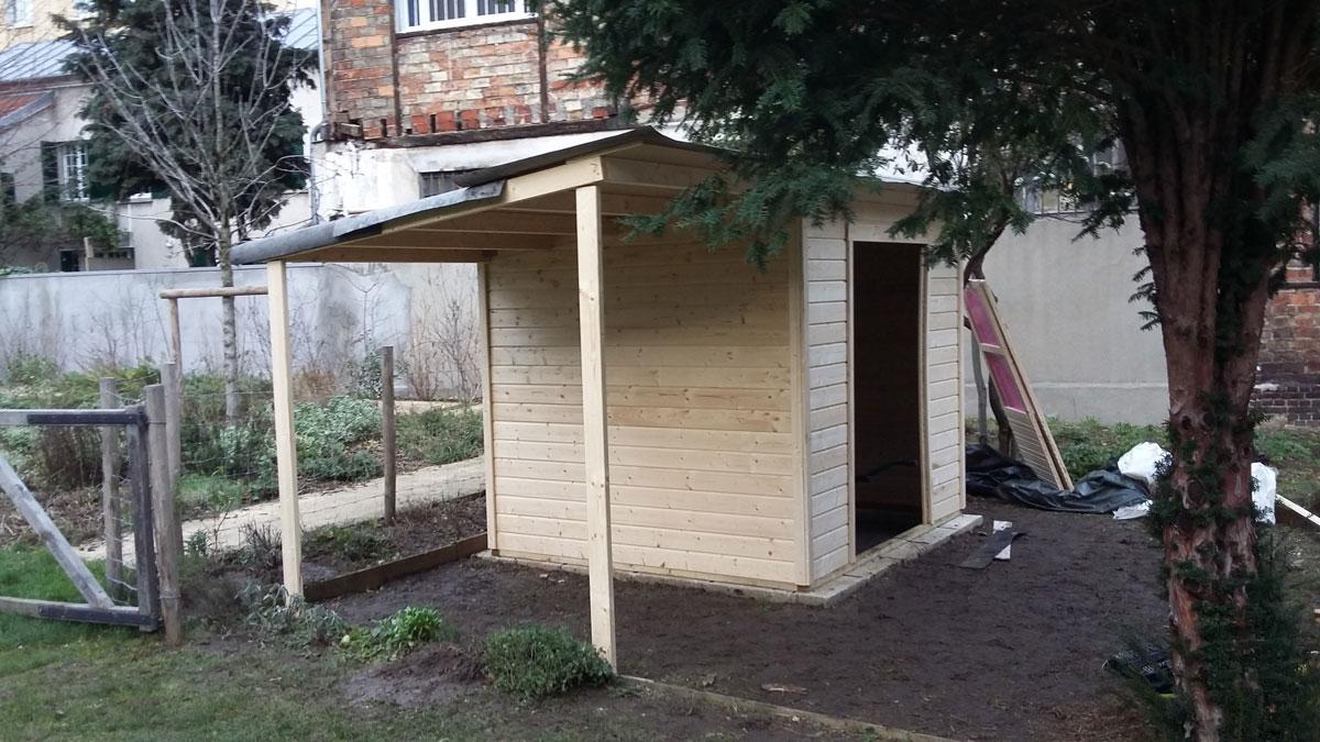 Cabane de jardin en bois réalisee par Ateliers Guizard